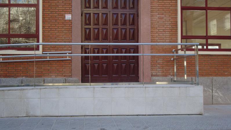 Puertas de acero inoxidable en madrid barandillas de - Barandillas madrid ...