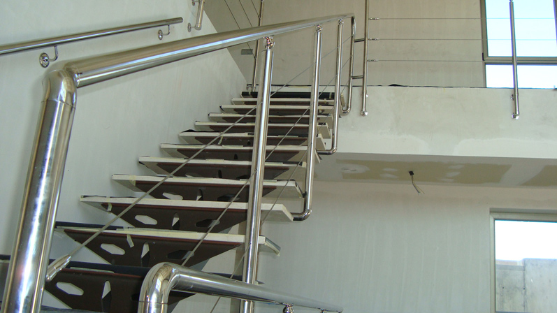 Puertas de acero inoxidable en madrid barandillas de acero inoxidable en madrid - Barandilla de acero inoxidable ...