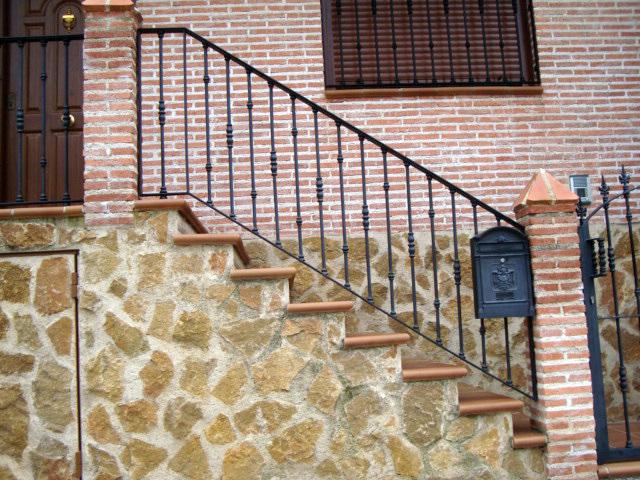 Puertas de hierro en madrid rejas de hierro en madrid - Barandillas de hierro ...