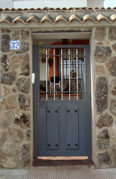 Puertas de hierro en madrid rejas de hierro en madrid barandillas de hierro en madrid - Puertas de hierro ...