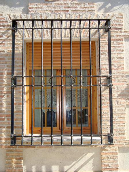 rejas ventanas de hierro en madrid